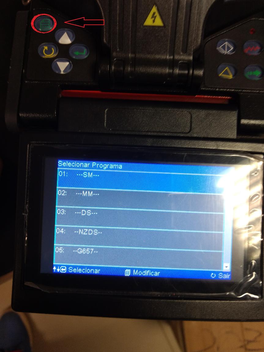 Imagem mostrando no LCD na máquina de fusão como selecionar a opção SM (Single Mode)