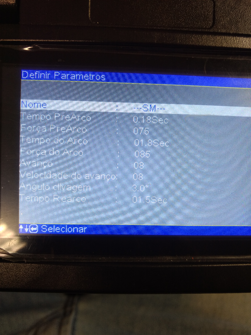 Imagem mostrando no LCD na máquina de fusão os valores das configurações de fábrica.